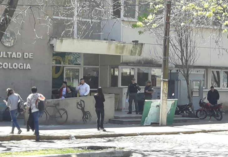 La gendarmer a justific su entrada a la universidad de for Juzgado federal rosario
