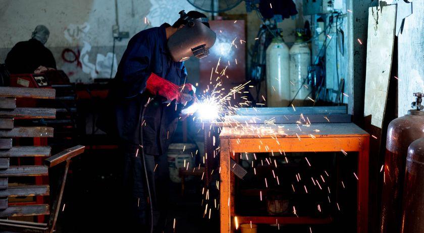 fabrica-en-funcionamiento-527837