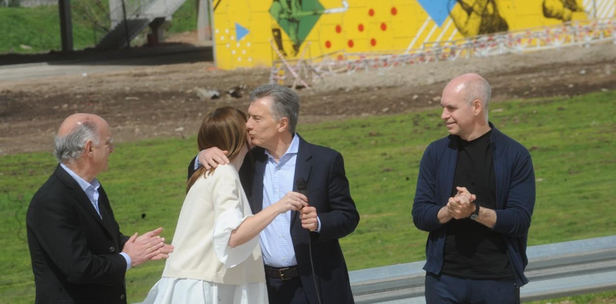20/9/2018. política. el presidente Mauricio macro, Horacio Rodríguez larreta y Néstor grindetti inauguran el puente olímpico de Lanús. (Foto Lucía Merle)